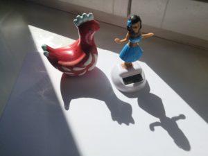 zdjęcie zabawek dających cień