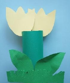 zdjęcie papierowego tulipana