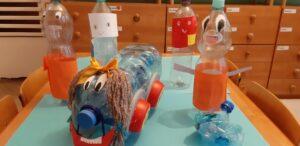 Zdjęcie butelkowych stworków