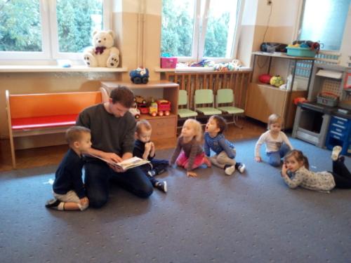 Rodzice czytają - Mróweczki -Ponury dzień Kłapouchego