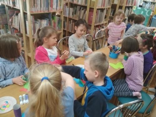 Tygryski w bibliotece